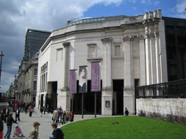 Sainsbury Wing of the National Gallery in London